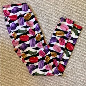 Lularoe macarons leggings